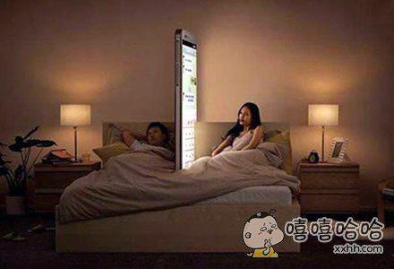 别让手机成了我们之间的一堵墙