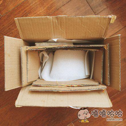 卖家在逗我么,一个东西用了三个纸盒包!