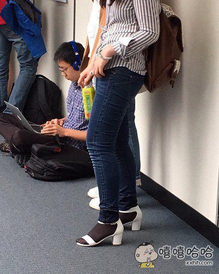 黑丝配凉鞋,就算是林志玲的脸也挽救不回来了