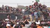 印度最牛火车超载数万人