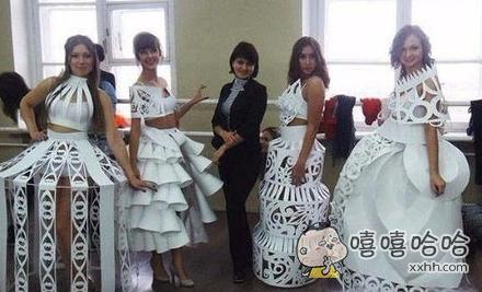 这样的婚纱也是很漂亮的!