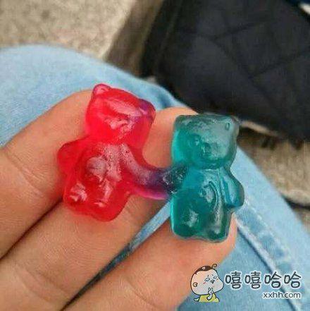吃个糖都被虐!!!