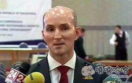 他的头比我的未来更光明
