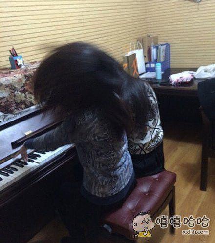 两个疯子一起弹钢琴!