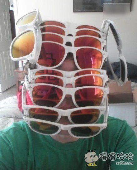带这么多眼镜,你是苍蝇吗?