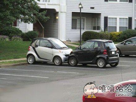 买个小车,就是合算,一个停车位可以停两辆。。