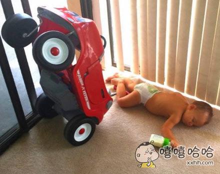 醉酒驾驶引发的车祸,喝奶不开车,开车不喝奶。