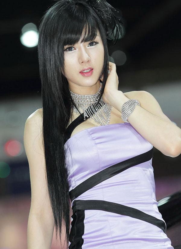 Malaysia girl on girl action