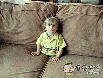 儿子这样看电视