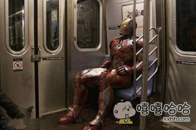 原来坐地铁也是很惬意的