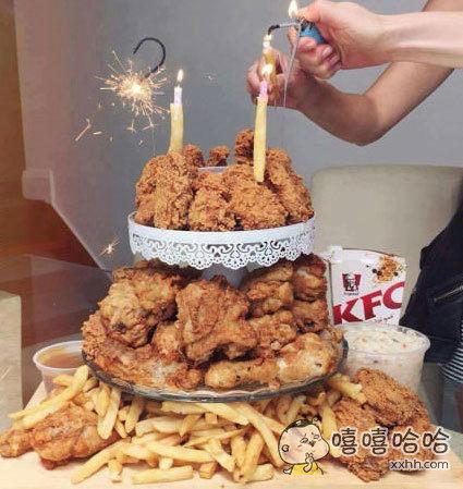 对于爱吃炸鸡的人来说这个蛋糕简直爽翻了!