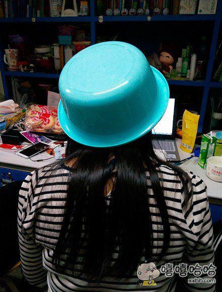 室友新买的帽子
