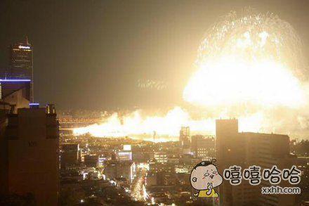日本一摄影初学者去烟火大会练练手,拍出来的照片看起来像世界末日。