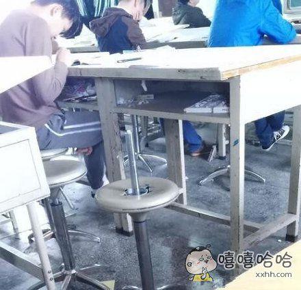 好想知道哪位同学会坐上去,想想都老爽了