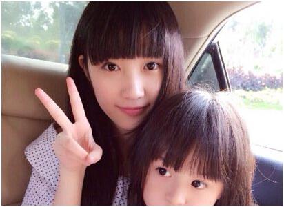 因超萌童星刘楚恬实在是太萌太可爱,看起来非常像混血儿,大家都怀疑她