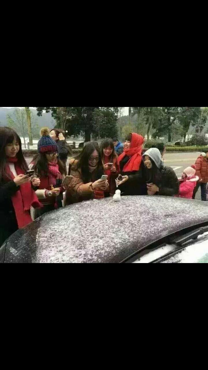 我们广东人堆的雪人