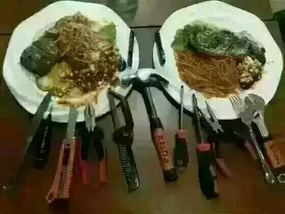 第一次吃西餐好紧张哟!也不知道工具带得够不够~