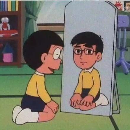 照镜子时候的我们