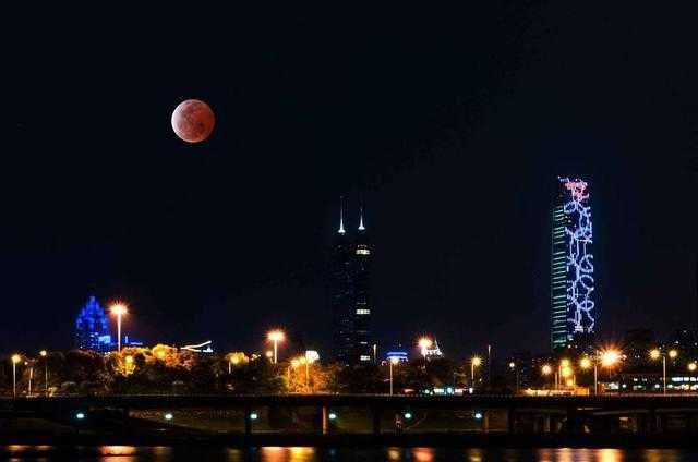 红月亮,不就是它大姨妈来了!