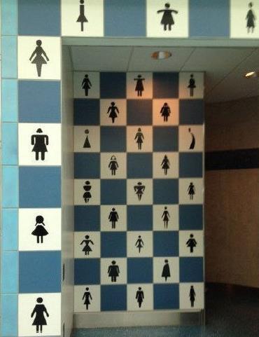 看到这个卫生间的标志,我凌乱了