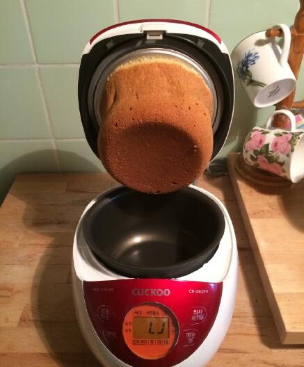 第一次学着用电饭锅做蛋糕