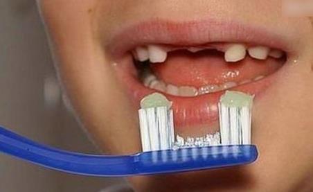量身定做的牙刷