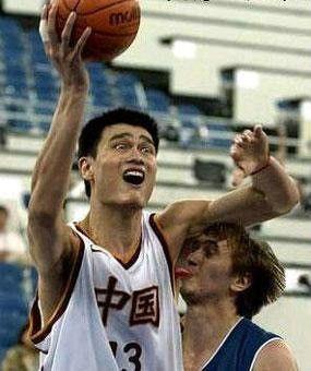 打不过中国队也不用这样吧!