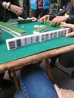 这局我要拍卖,,难得起这么漂亮的一手好牌,。,起拍开始。。。。