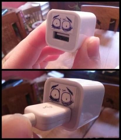 看到充電器、我都不淡定了。