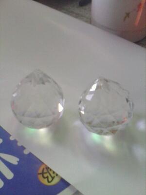 我总觉得,我买的这两颗钻石有点假。。。大家帮我看看