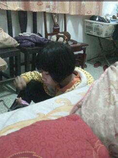 妹子,差那么一点到床上,至于吗?那么急?躺着不好?