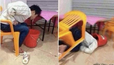 一朋友昨晚喝多了,结果坐到凳子上吐到一半的时候悲剧发生了。。。