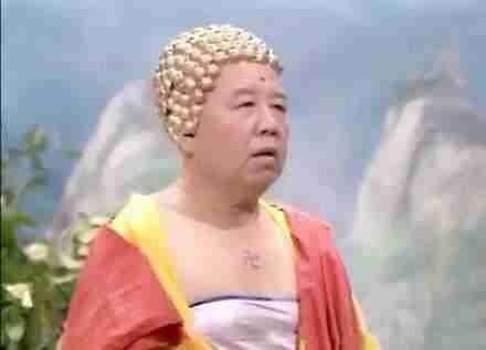 [害羞]一直觉得佛祖的抹胸很有杀伤力,直到发现头上的巧克力才真是亮瞎双眼