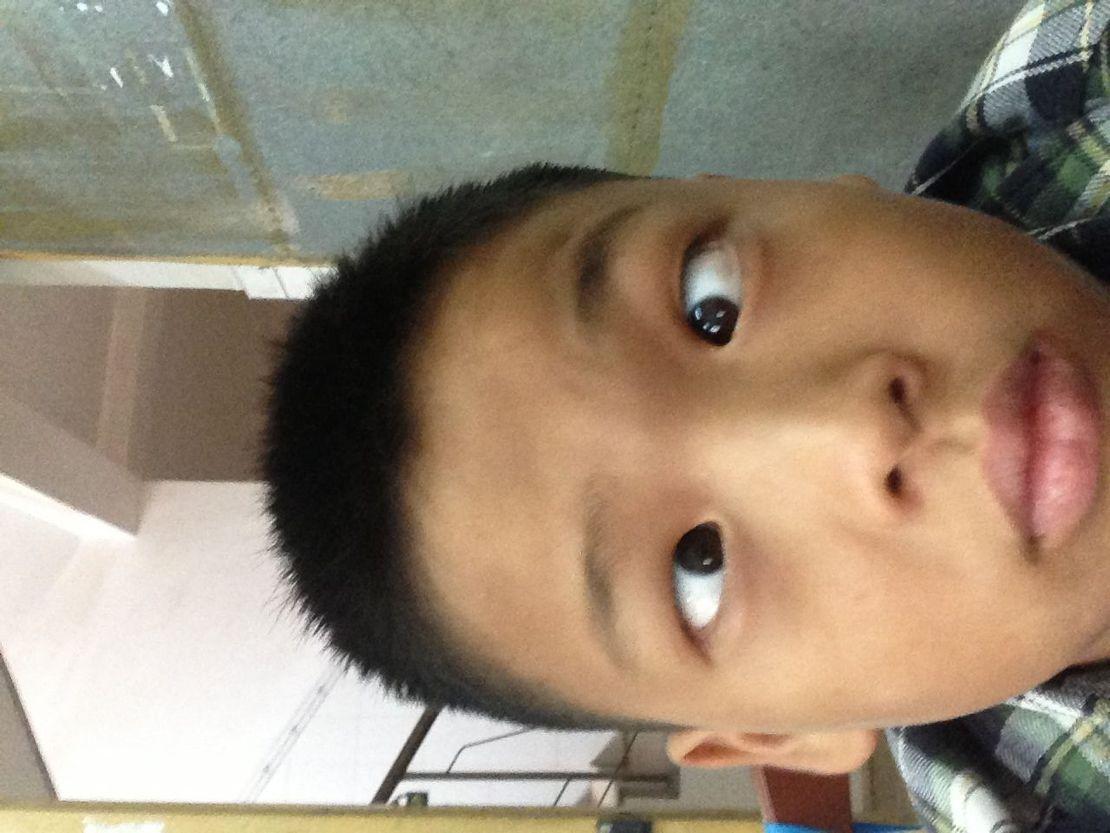 这是我同学,他叫傅乐广