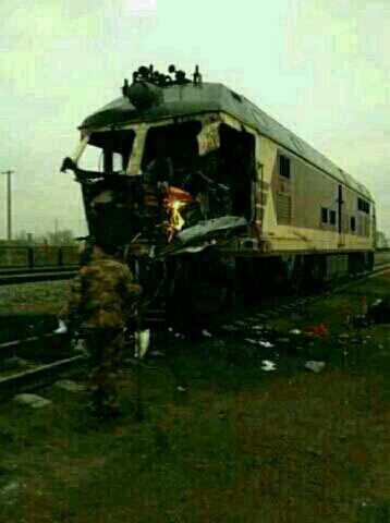 中国的汽车最结实了,汽车撞火车把火车司机撞死了!看来还是开汽车安全!