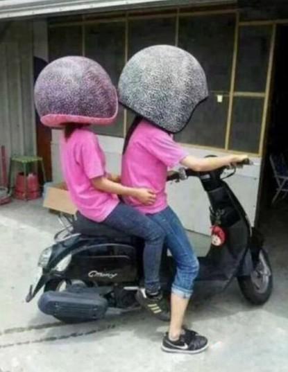 妈妈再也不用担心我骑车摔跤了