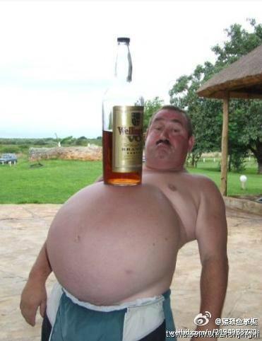 介才是真真的啤酒肚、哈哈