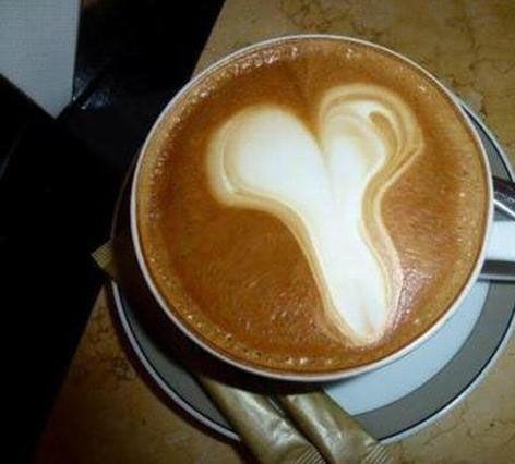 服务员!!!说好的心形咖啡呢?