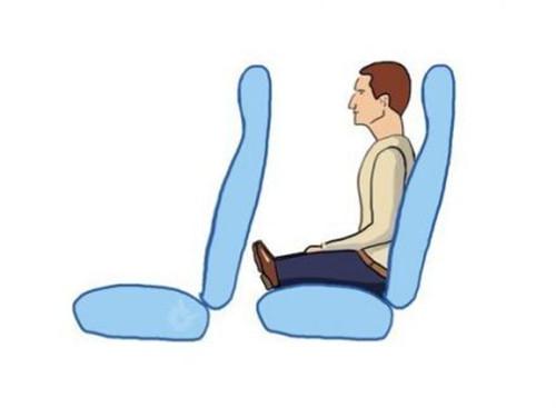 在你坐长途车和飞机的时候,你一定觉得设计师脑子里的乘客是长这样的……