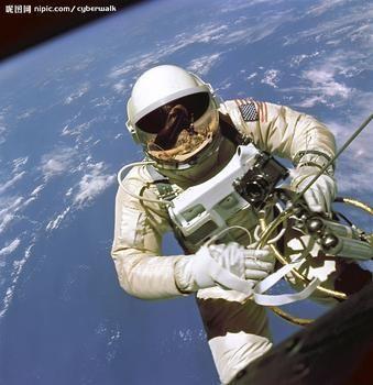 穿太空服的太空人鼻子痒了怎么办ˊ_>ˋ