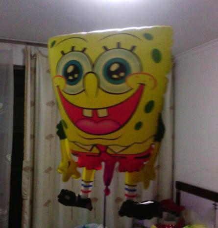 下班在小区门口买了个气球,拿回家后老觉得哪不对劲儿。。。