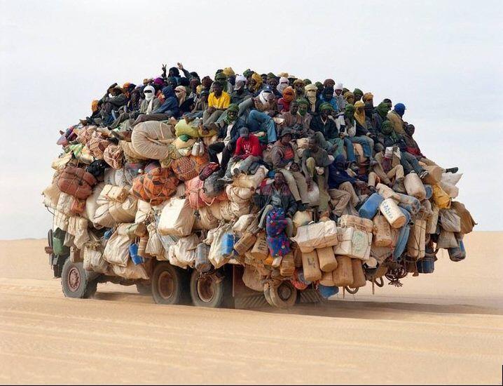 听说要移居北京,大家都很兴奋的挤上了车啊!!!