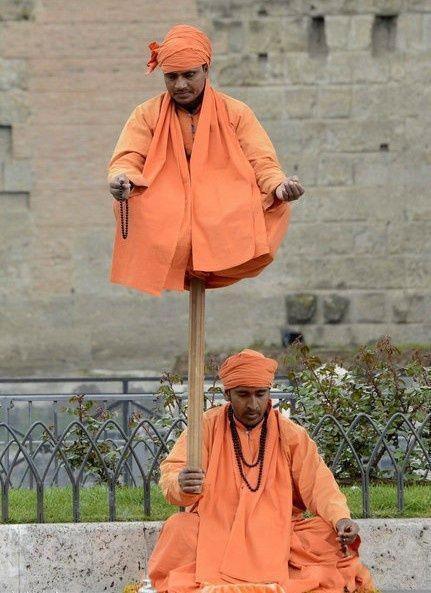 练瑜伽能练成这样真是厉害