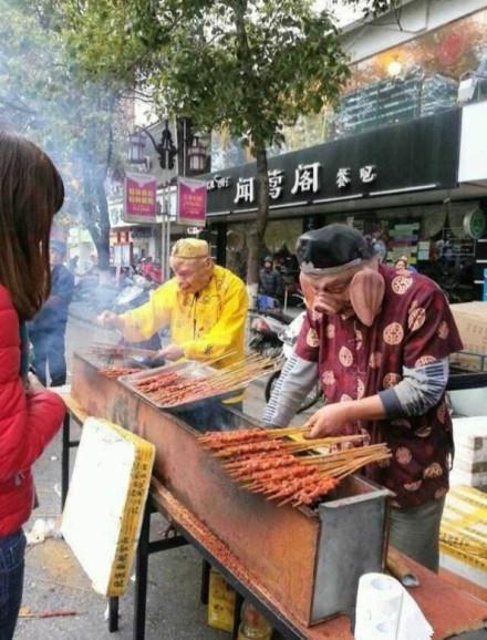 大师兄和二师兄居然在卖唐僧肉。。。