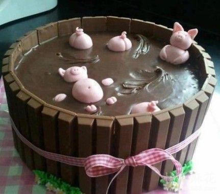 上海某蛋糕店新推出的黄浦江蛋糕