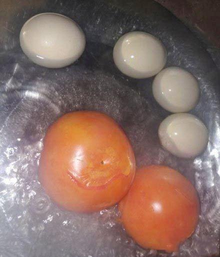同事做的西红柿、鸡蛋、汤~