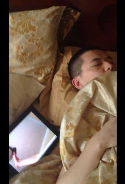 #午睡被女友偷拍# 喔呵呵呵呵呵呵