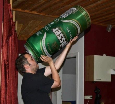 医生说一天只能喝一罐啤酒!
