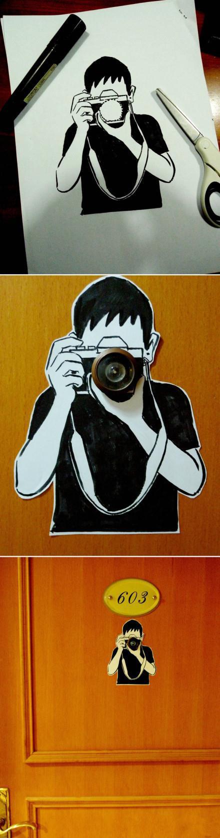 今天为房门的猫眼画了一个剪贴图,让猫眼显得更有意义哈哈。。(viatango2010 )