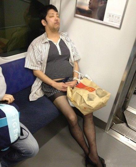 地铁真是个奇葩出没的地方~